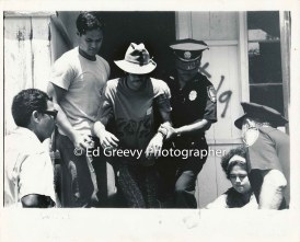 Dick King and Kehau Lee being arrested at Kalama Valley (photographer and date unknown)