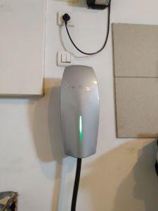 Installation d'une borne de recharge rapide pour voiture électrique