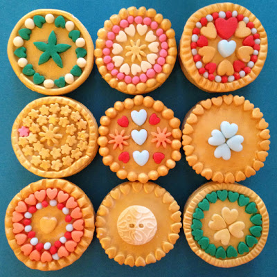 brooches.cookies
