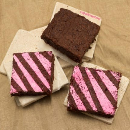 Fun-and-Fudgey-Decorated-Brownies-10