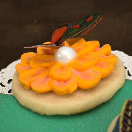 Easy-Stunning-Dimensional-Icing-Flowers-32
