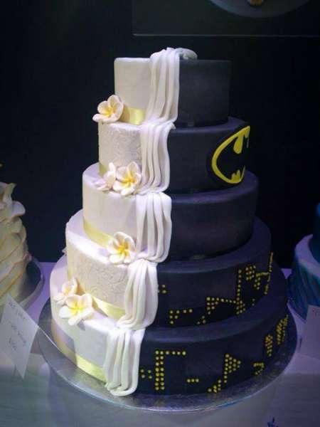 Batman Wedding Cake 0 Popular half batman wedding cake