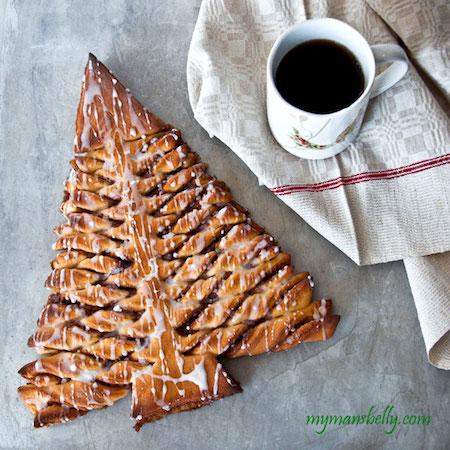 Cinnamon-Roll-Christmas-TreeW