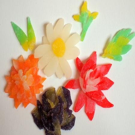 Make flowers from gumdrops
