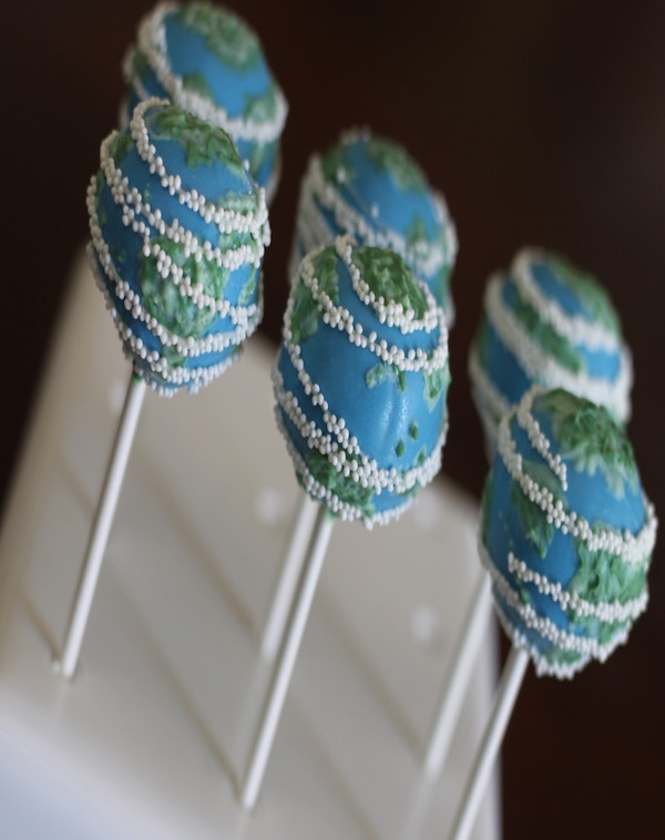 earth cake pops
