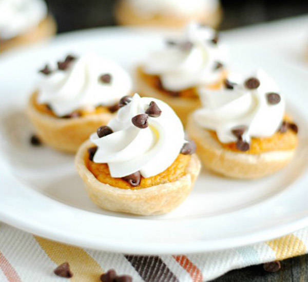 mini chocolate chip pumpkin pie