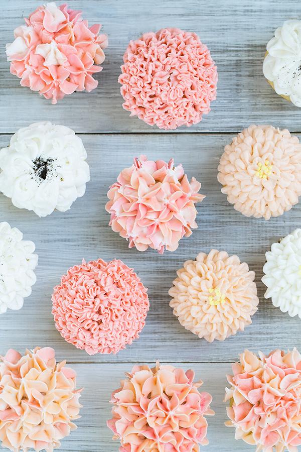 FloralFrostingCupcakes