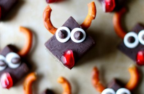 Healthy Dairy Free Fudge Reindeer