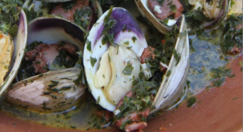 CHERRYSTONE CLAMS, STEAMED WITH MAYFLOWER GOLDEN ALE