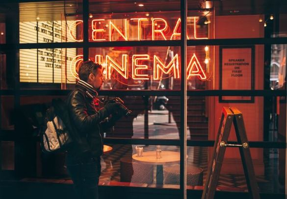 What to watch in theaters this month? - The best movies coming to theaters in February 2020.