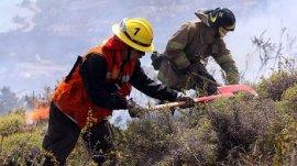 """Rechazo del gobierno de dos créditos BID entregados para prevenir incendios en sur de Chile """"porque eran de Bachelet"""" aumenta tensión política"""