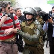 Gobierno se compromete a eliminar artículo que faculta  a Policía a pedir material periodístico