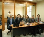 Condenan a detectives acusados de robo con violencia contra extranjeros