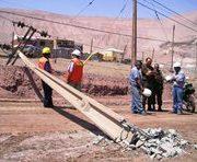 Choque a poste provoca corte de energía en sector sur de Iquique