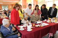 En desayuno autoridades promocionan Bono Bodas de Oro y APSV