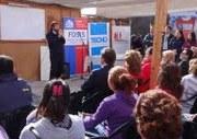 FOSIS apoya a emprendedores que viven en campamento