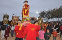 Masivo tributo ofrecen fieles de Alto Hospicio a San Lorenzo