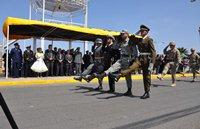 Alto Hospicio con desfile rindió homenaje a la Patria con masivo desfile