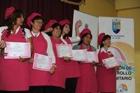 Más de 600 mujeres recibieron certificación de talleres municipales
