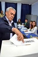 Galleguillos vota confiado en un triunfo mayoritario en elecciones
