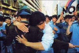 Noche del 5 de octubre de 1988, la  más larga de la historia de Chile. Pinochet no quería reconocer su derrota en el plebiscito