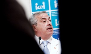 "Jaime Mañalich: ""Compra que hicimos de vacunas contra meningitis agotó stock mundial"""