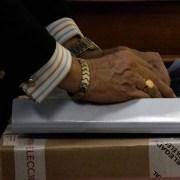 Reconteo en Ñuñoa: En 29 mesas la diferencia entre Sabat y Maya Fernández es de 13 votos