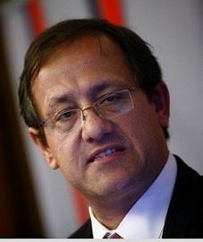 Ministro Beyer insiste en cierre de Universidad del Mar por violación a estatutos