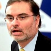 """""""Preocupación"""" e """"incomodidad"""" en La Moneda con nuevos antecedentes que complican a director de Impuestos Internos"""