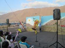 """CONAF presentó obras de teatro """"La Caja y la Botella"""" en el Barrio San Carlos"""