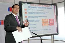 Ministro Beyer presenta plan de trabajo para reubicación de estudiantes de la U. del Mar