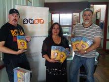 Donanción de libros a la Dirección de Bibliotecas realizó Guillermo Ward