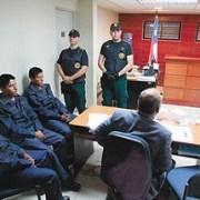 Diario La razón de Bolivia informa que Chile opta por decreto para expulsión de soldados bolivianos