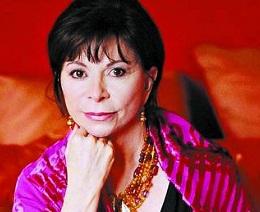"""Escritora Isabel Allende se sube a la ola del libro erótico: """"Las mujeres ya no leen a escondidas"""""""