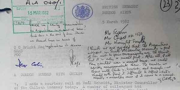 Los Papeles Secretos que Prueban Complicidad de la Dictadura con los Británicos en Guerra de Las Malvinas