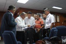 Alcalde Soria presenta reparos al proyecto del rompeolas para Playa Brava