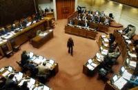 Senadores preocupados por prolongación del paro de los trabajadores portuarios