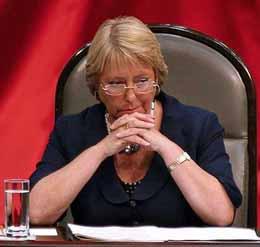 The Economist analiza el futuro de Michelle Bachelet tras su regreso a la arena política como candidata presidencial. Idenifica fortalezas y debilidades