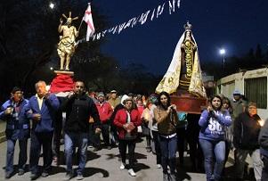 Masiva procesión en Santuario de La Tirana, este Domingo de Resurrección
