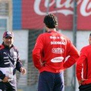 Todo Chile se concentra: La Selección ya está en Lima para disputar duelo clave ante Perú