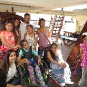 Niños de la Teletón visitaron museo Corbeta Esmeralda