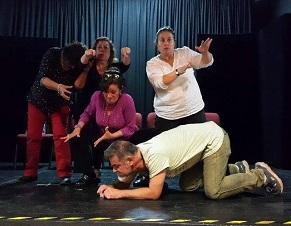Colectivo Zeta que desarrolla el Teatro Espontáneo viaja a México a encuentro Latinoamericano