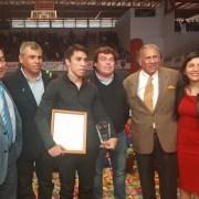 Edson Puch ovacionado al recibir el título de Hijo Ilustre de Iquique