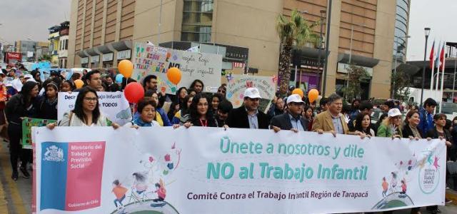 Estudiantes  y autoridades marcharon contra el trabajo infantil