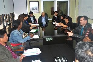 Gobernador anuncia proceso de modernización en Departamento de Extranjería