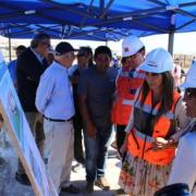 Destaca avances en obras viales y de agua potable para Caleta Caramucho, en el borde costero de Iquique
