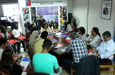 Mesa de trabajo con representantes de migrantes. Ya son más de 30 mil los que residen en Tarapacá
