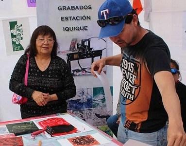 """""""Plaza de las Artes"""", un espacio para que artistas locales muestren sus productos"""
