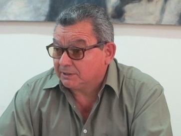 """Nombre de Luis Caroca, ex preso político y activista de DDHH, aparece en los registros de Gendarmería: """"Los libros hablan por sí solos"""", dice impactado"""