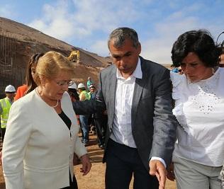 Que los terrenos de Playa Lobito se destinen a viviendas y equipamiento urbano, solicitó alcalde a Presidenta Bachelet
